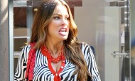 Sofia Vergara – Set Candids Modern Family – August 7, 2012