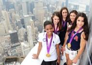 McKayla Maroney, Aly Raisman, Jordyn Wieber, Kyla Ross and Gabrielle Douglas – Empire State building in New York, August 14,2012