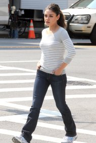 "Mila Kunis – ""The Angriest Man In Brooklyn"" Set In New York – September 17, 2012"
